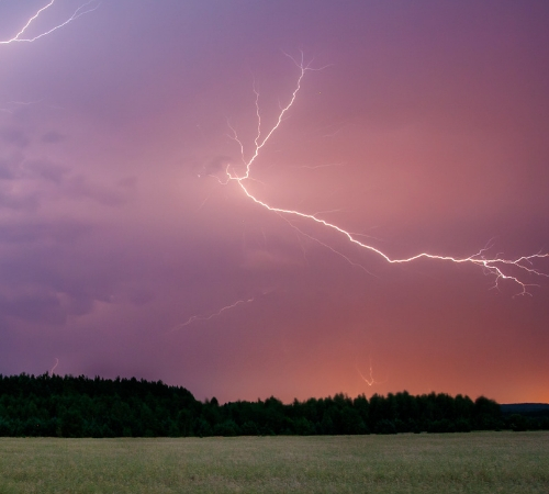 6 Ways to Prepare Your Home for Summer Storms
